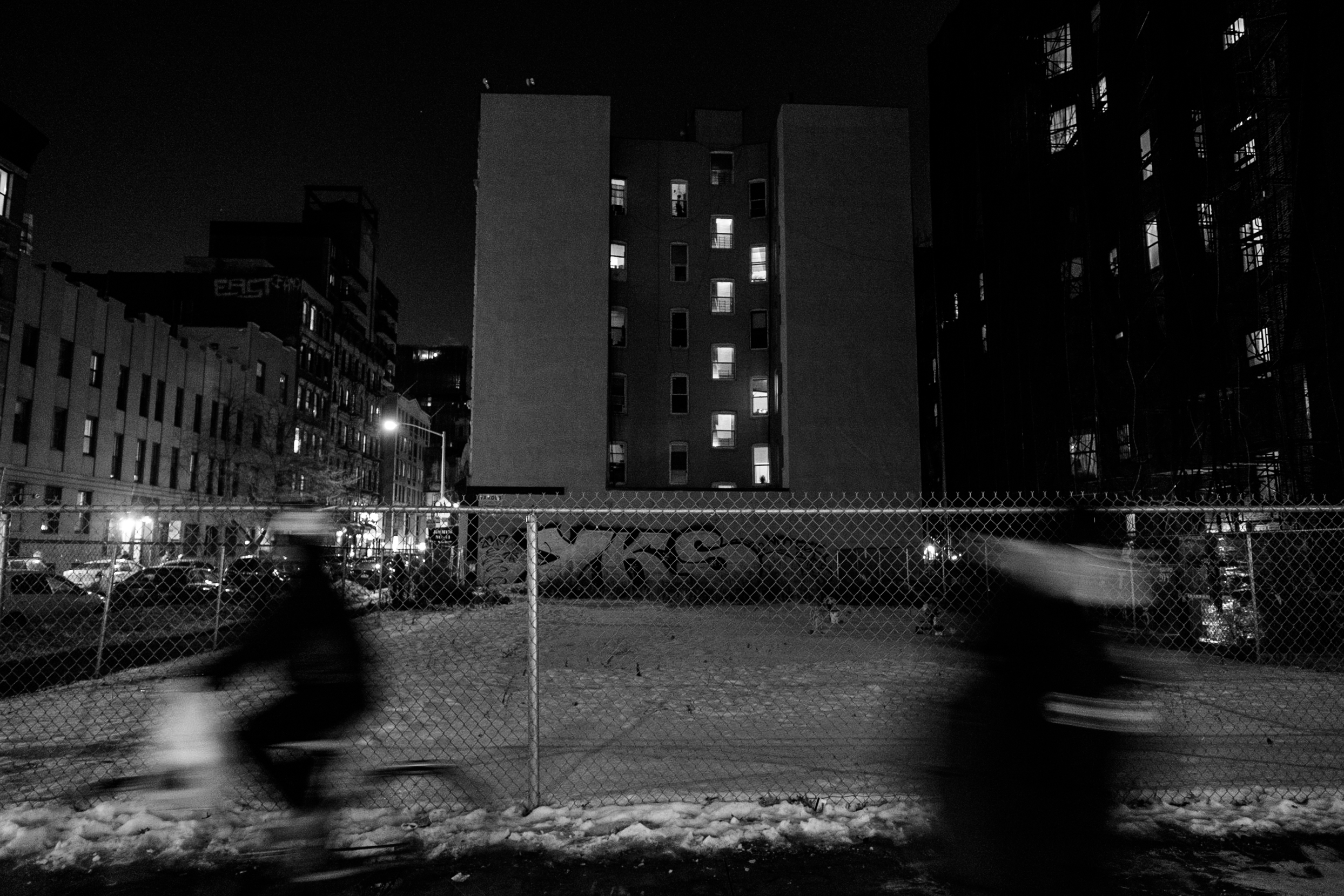 east-village-manhattan-night-black-and-white-photography