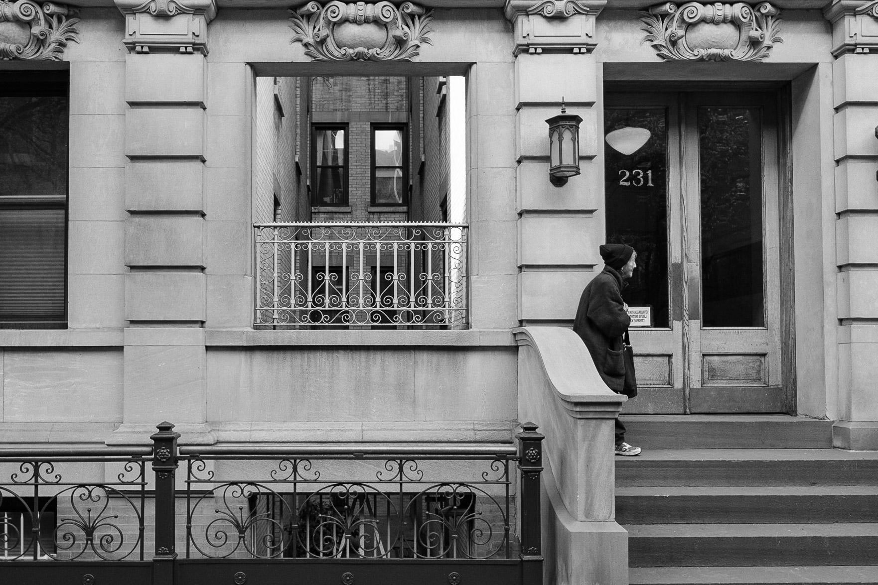 courtyard-facade-chelsea-bw-photography-zach-barocas
